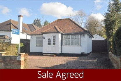 2 Bedroom Bungalow Sold Subject To Contract in Watling Street, Park Street, St. Albans, Hertfordshire - Collinson Hall