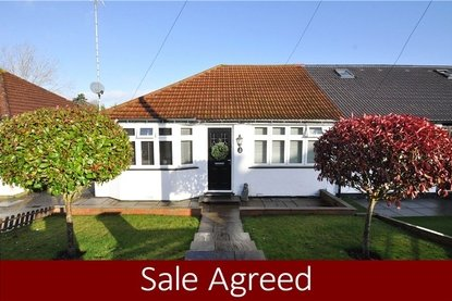 2 Bedrooms Bungalow Sold Subject To Contract in Driftwood Avenue, St. Albans, Hertfordshire - Collinson Hall