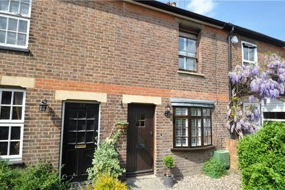 2 Bedroom House For Sale in Branch Road, Park Street, St. Albans, Hertfordshire - Collinson Hall