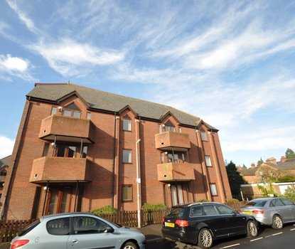 2 Bedroom Apartment Sold Subject To Contract in Ashtree Court, Granville Road, St. Albans, Hertfordshire - Collinson Hall