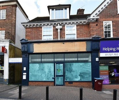 Commercial property To Let in London Road, St. Albans, Hertfordshire - Collinson Hall