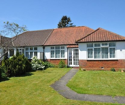 2 Bedrooms Bungalow New Instruction in Stanley Avenue, St. Albans, Hertfordshire - Collinson Hall