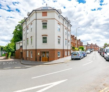 1 Bedroom Apartment Sold Subject To Contract in Approach Road, St. Albans, Hertfordshire - Collinson Hall