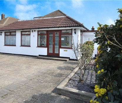 4 Bedroom Bungalow Sold Subject To Contract in Robert Avenue, St. Albans, Hertfordshire - Collinson Hall