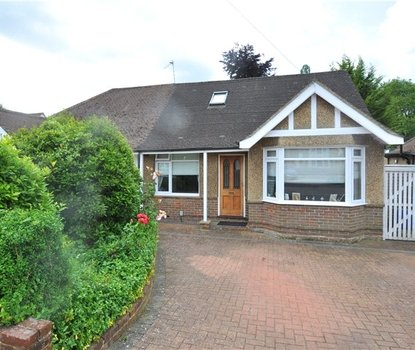 3 Bedrooms Bungalow For Sale in West Avenue, St. Albans, Hertfordshire - Collinson Hall