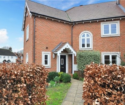 4 Bedrooms House For Sale in Frederick Place, Park Street, St. Albans, Hertfordshire - Collinson Hall