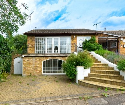 4 Bedroom House Sold Subject To Contract in Birch Copse, Bricket Wood, St. Albans, Hertfordshire - Collinson Hall