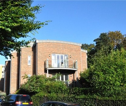 2 Bedrooms Apartment Sold Subject To Contract in Tollhouse Point, 220 London Road, St Albans - Collinson Hall