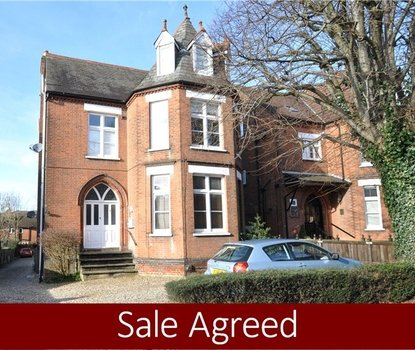1 Bedroom Apartment Sold Subject To Contract in Beaconsfield Road, St. Albans, Hertfordshire - Collinson Hall