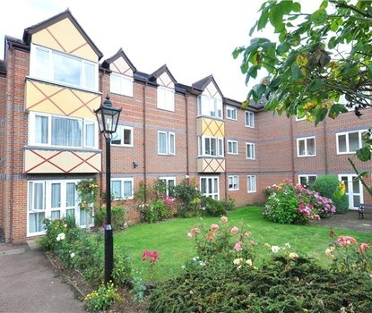 1 Bedroom Apartment Sold Subject To Contract in Davis Court, Marlborough Road, St. Albans, Hertfordshire - Collinson Hall